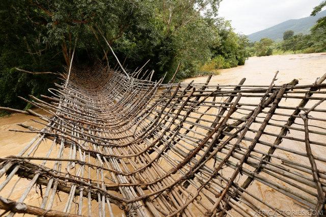 Kandewe Hanging Bridge